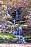山茱萸峡谷瀑布 免版税图库摄影