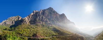 山蒙特塞拉特岛。 西班牙 免版税图库摄影