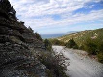 从山行迹的美丽的景色在黑海 免版税图库摄影