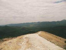 山行迹,向美妙的世界的一条道路 库存照片
