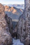 山裂缝 免版税图库摄影