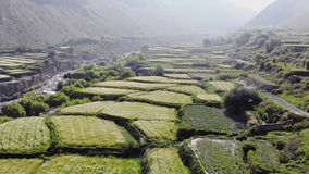 山谷鸟瞰图在喜马拉雅山 影视素材