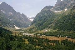 山谷,河床的一张顶视图 风景与一mo 库存照片