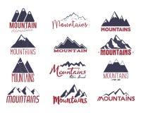 山象征集合 葡萄酒手拉的冒险商标 野营的标签收藏 被隔绝的储蓄传染媒介补丁  向量例证