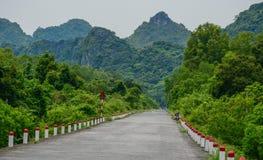 山路在越南北部 免版税库存照片