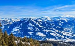 山雪冬天 滑雪胜地Hopfgarten,蒂罗尔 免版税图库摄影