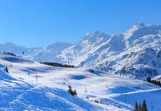山雪冬天 Meribel滑雪胜地 库存照片