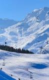 山雪冬天 Meribel滑雪胜地 免版税库存照片
