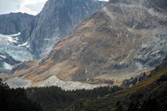 山雪和冰川在瑞士 图库摄影