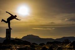 山顶享受&目标点 库存照片