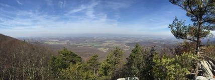 山顶全景视图 库存照片