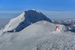 山顶层在冬天 免版税库存图片