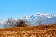山风景南法国在冬天 免版税库存图片