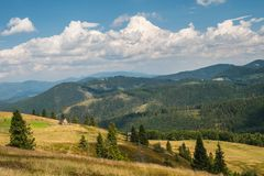 山风景在暑假时 库存图片