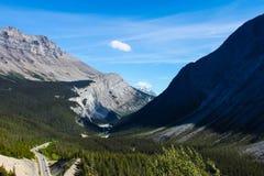 山风景在班夫国家公园 免版税库存照片