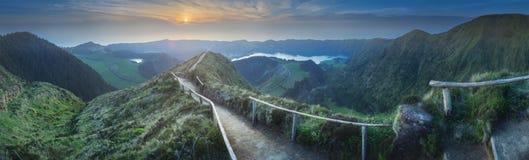 山风景蓬塔德尔加达海岛,亚速尔葡萄牙 免版税库存图片