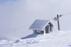 山风雨棚雪顶层 免版税库存图片