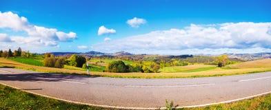 山麓小丘谷全景在秋天 撒克逊人 库存照片