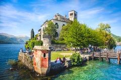山麓- Orta湖-圣朱廖海岛-诺瓦腊-意大利 免版税库存图片