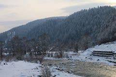 山,一条山河在冬天 图库摄影