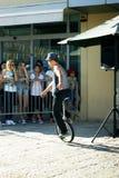 黑山,新海尔采格- 04/06/2016 :人乘坐单轮脚踏车 免版税图库摄影