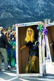 黑山,科托尔- 03/13/2016 :狂欢节服装玩偶的女孩 免版税库存图片