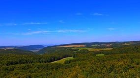 山,遥远的布局 免版税库存照片