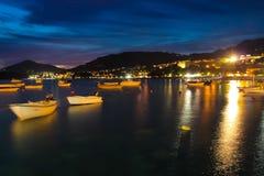黑山, Rafailovici 在海海滩的日落视图 库存照片