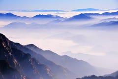 黄山(黄色)山 库存图片