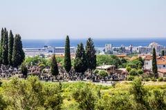 黑山 镇酒吧 2015年6月03日 城市公墓在B镇  库存照片