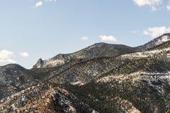 山从风路环境美化科罗拉多斯普林斯的洞 免版税图库摄影