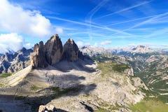 山Drei Zinnen和塞斯托白云岩全景在南蒂罗尔 库存图片