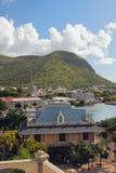 山Moka脚的城市 路易斯・毛里求斯端口 免版税图库摄影