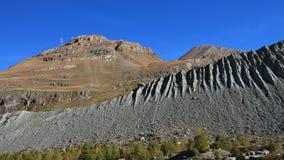 山Rothorn和Oberrothorn在秋天 免版税库存图片