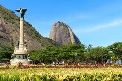 山Sugarloaf Tiburcio将军广场纪念碑,里约de珍妮 库存照片