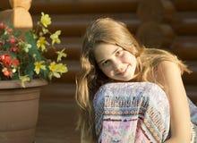 14岁的女孩的室外画象 免版税图库摄影