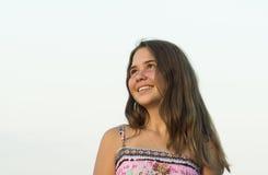 14岁的女孩的室外画象 图库摄影