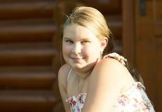 11岁的女孩的室外画象 免版税图库摄影