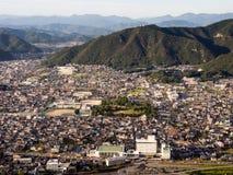 岐阜市全景从岐阜城堡的顶端在登上Kinka 免版税库存照片