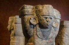 岗位经典之作期间的古老玛雅atlantes 免版税图库摄影