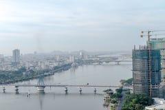 岘港市市2015年5月商业区  库存照片