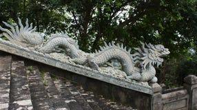 岘港风景- Linh Ung寺庙龙雕象 库存图片