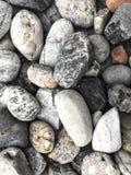 岩层和配色是包括的在地板上 免版税图库摄影