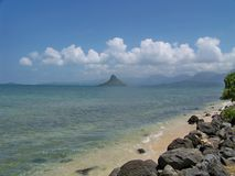 岩层在夏威夷海洋 免版税库存图片