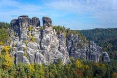岩层在撒克逊人的瑞士 图库摄影
