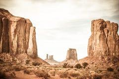岩层的风景照片在Sedona纪念碑谷的 免版税库存图片