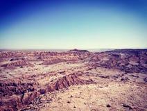 岩层看法在月球谷的在圣佩德罗火山de阿塔卡马,智利 免版税库存图片