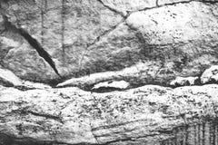 岩层,黑白背景 免版税库存图片