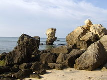 岩层, Olhos de Agua,葡萄牙 免版税库存照片
