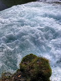 岩石、急流和瀑布 库存图片